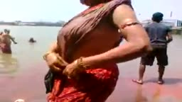 Busty Aunty Bath in River Hot Side View