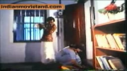 Booby Vijaya clevage show in softcore movie