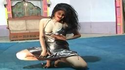 Hot boob mujra show