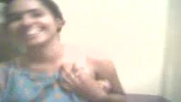 Desi babe taking her shirt off