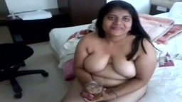 Horny aunty wants you in bed